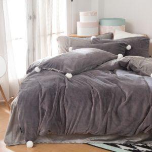 Edredon o Duvet gris oscuro pompones Ebani
