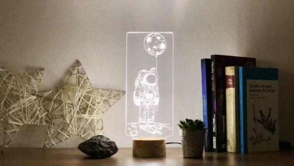 Lámpara LED Cosmic Traveler