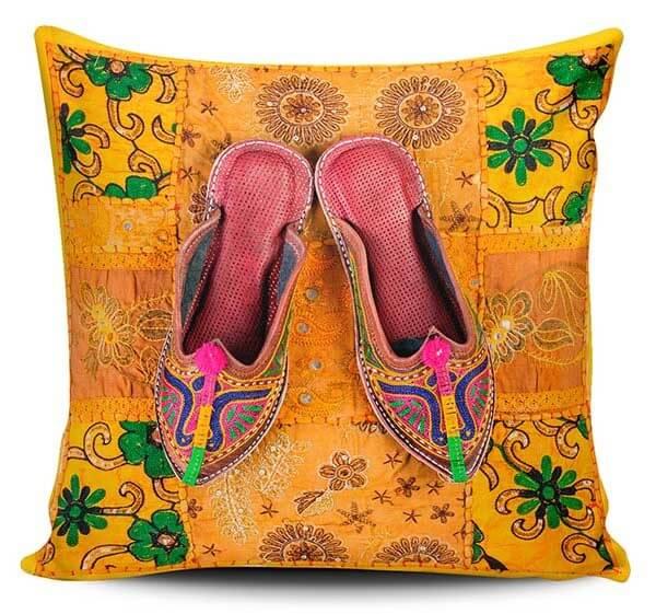 Cojines Decorativos Zapatos Hindú 01