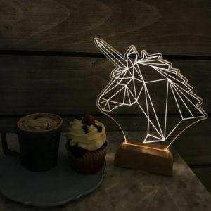 Lámpara de mesa albert dorada