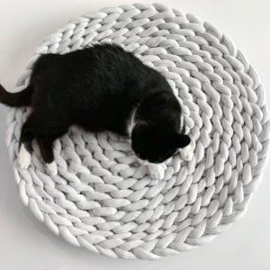 Cama para gato o perro tipo nido color cielo