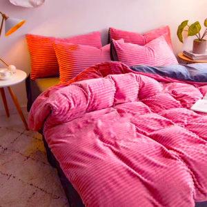 Duvet + Fundas de franjas blanco y rosado vertical (sin cojines, sin plumón)