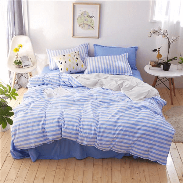 Duvet + Plumón + Fundas de franjas blanco y azul
