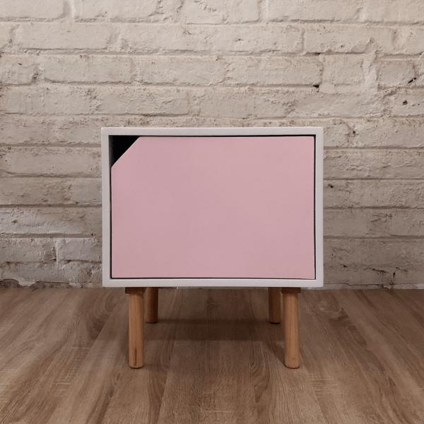 Mesa de noche o Nochero Nórdico minimalista Cubi con cajón rosa