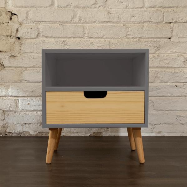 Mesa de noche o Nochero Nórdico Doppio gris con cajón en madera pino