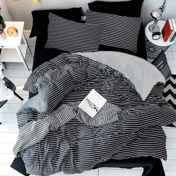 Duvet + Plumón + Fundas de rayas negras y blancas