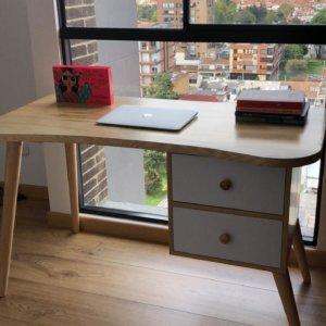 Escritorio moderno para pc o estudio curvo con dos cajones Ebani Colombia tienda online de decoración y mobiliario Shapes shop