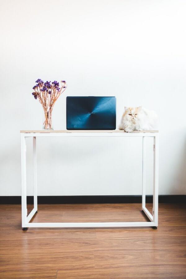 Escritorio moderno para pc o estudio plegable Ebani Colombia tienda online de decoración y mobiliario isola
