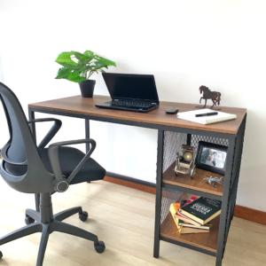 Escritorio moderno para pc o estudio tokum Ebani Colombia tienda online de decoración y mobiliario Ferrum