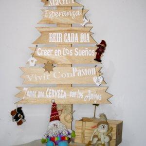 Arbol navidad en madera Ebani Colombia tienda online de decoración y mobiliario Kubiko