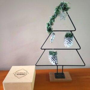 Árbol de Navidad con Adornos Blancos Ebani Colombia tienda online de decoración y mobiliario Ferrum