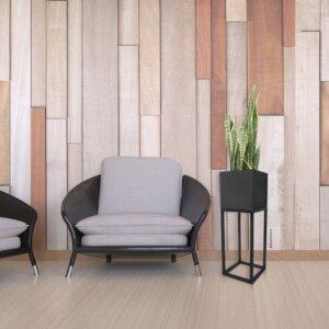 Matera de piso Calma con estructura negra y maceta color cobre